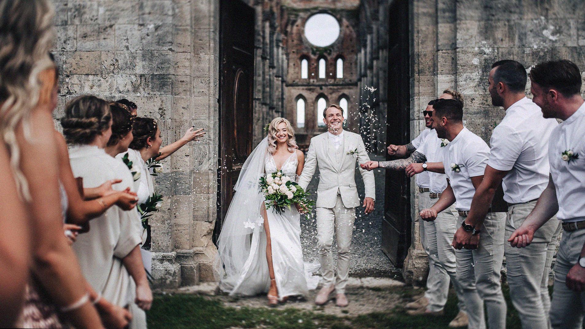 Wedding-in-San-Galgano-Abbey
